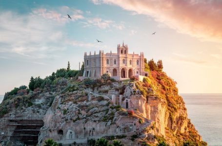 What Are The Main Reasons For A Visit in Calabria.